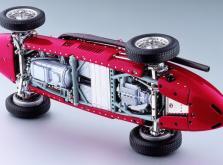 Коллекционная модель автомобиля СMC Ferrari 500 F2 1953 1/18 Red-фото 4