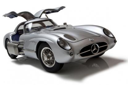 Коллекционная модель автомобиля СMC Mercedes-Benz 300 SLR Uhlenhaut Coupe 1955 1/18 Silver