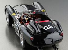 Коллекционная модель автомобиля СMC Ferrari 250 Testa Rossa 1958 Pontoon Fender #DM 124 1/18 LE-фото 1