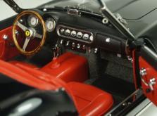 Коллекционная модель автомобиля СMC Ferrari 250GT California SWB Spyder 1961 1/18 Black-фото 8