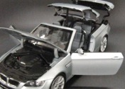 Масштабная модель автомобиля 1:18 BMW M3 CABRIOLET-фото 3
