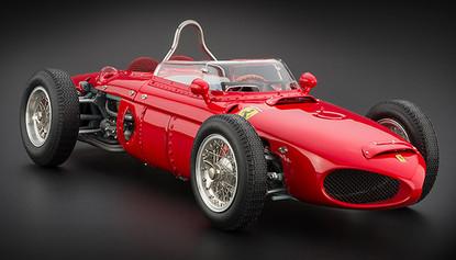 """Коллекционная модель автомобиля СMC Ferrari 156F1 Dino """"Sharknose"""", 1961 1/18"""