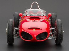 """Коллекционная модель автомобиля СMC Ferrari 156F1 Dino """"Sharknose"""", 1961 1/18-фото 5"""