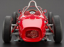 """Коллекционная модель автомобиля СMC Ferrari 156F1 Dino """"Sharknose"""", 1961 1/18-фото 2"""