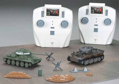 Танковый бой на радиоуправлении Т-34 и German Tiger I Grey 1:72