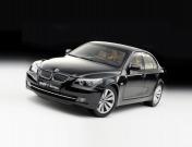 Масштабная модель автомобиля BMW 550i