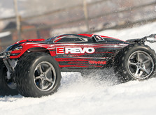 Автомобиль Traxxas E-Revo Monster 1:10 RTR-фото 3