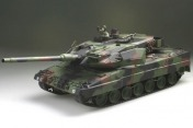 Радиоуправляемый танк  German Leopard 2 A6 NATO 1:24 Airsoft /JR (Camouflage RTR Version)