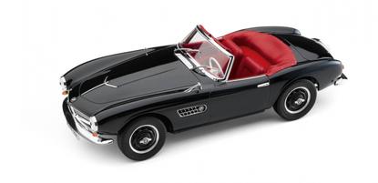 Модель автомобиля BMW 507 Cabrio (1956) в масштабе 1:18