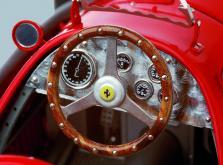 Коллекционная модель автомобиля СMC Ferrari 500 F2 1953 1/18 Red-фото 6