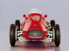 Коллекционная модель автомобиля СMC Ferrari 500 F2 1953 1/18 Red-фото 9