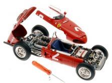 Коллекционная модель автомобиля СMC Ferrari 156 F1 1961 Sharknose #2 Hill/Monza 1/18 Limited Edition-фото 5