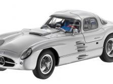 Коллекционная модель автомобиля СMC Mercedes-Benz 300 SLR Uhlenhaut Coupe 1955 1/18 Silver-фото 9