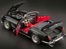 Коллекционная модель автомобиля СMC Ferrari 250GT California SWB Spyder 1961 1/18 Black-фото 3