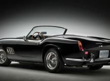 Коллекционная модель автомобиля СMC Ferrari 250GT California SWB Spyder 1961 1/18 Black-фото 1
