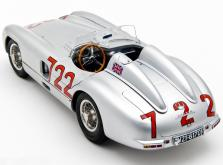 Коллекционная модель автомобиля СMC Mercedes-Benz 300 SLR W196S Mille Miglia Sieger #722 1955 1/18-фото 1