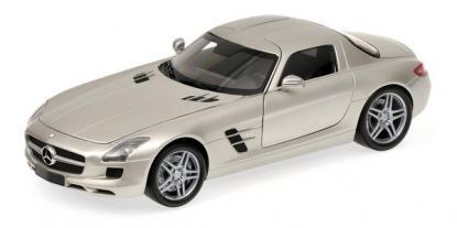 Коллекционная модель автомобиля Minichamps 1/18 Mercedes-Benz SLG AMG 2010