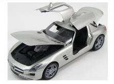 Коллекционная модель автомобиля Minichamps 1/18 Mercedes-Benz SLG AMG 2010-фото 3