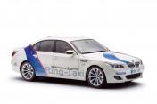Масштабная модель автомобиля BMW M5 E60-фото 2