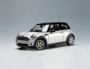 Коллекционная модель автомобиля MINI COOPER